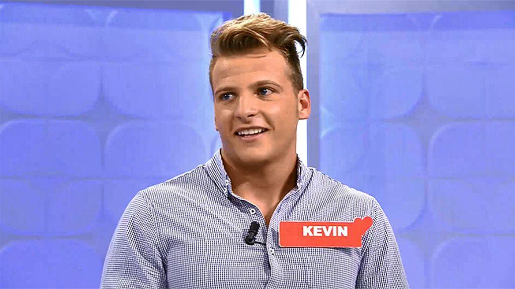 Kevin, un socorrista que se moja