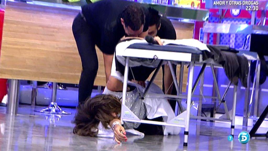 Paz Padilla recibe un masaje en el plató y se tira al suelo del gusto