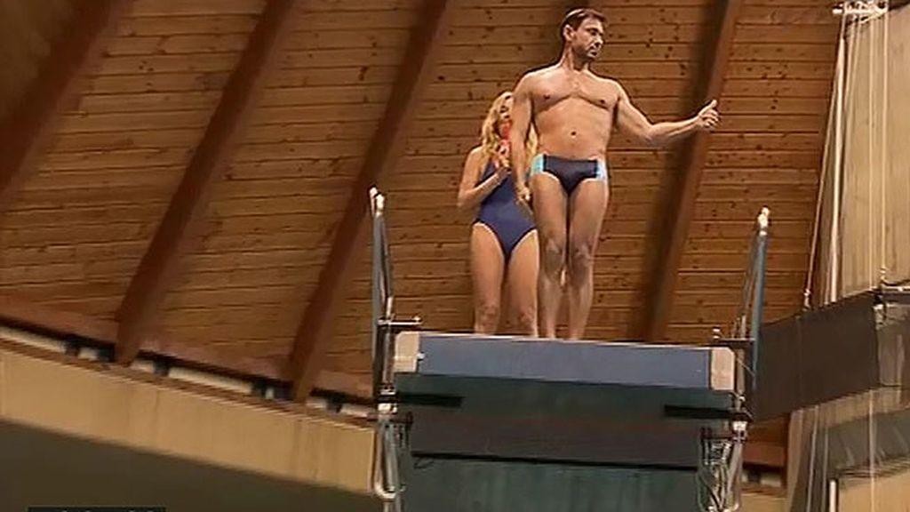 Miguel Ángel Nicolas salta desde los diez metros por Ana Rosa