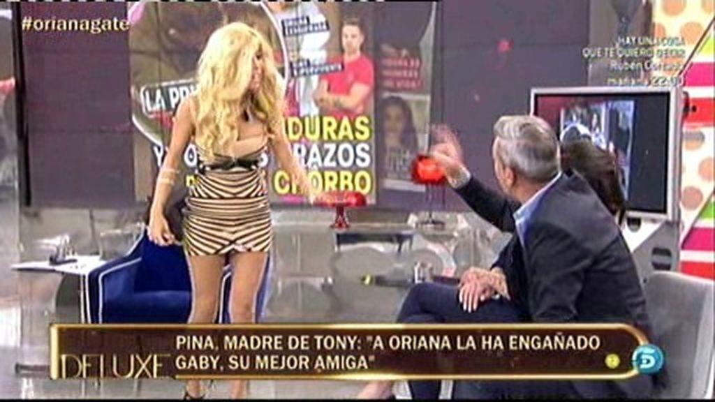 Duro enfrentamiento entre Gaby y los padres de Tony Spina en el plató de 'El Deluxe'