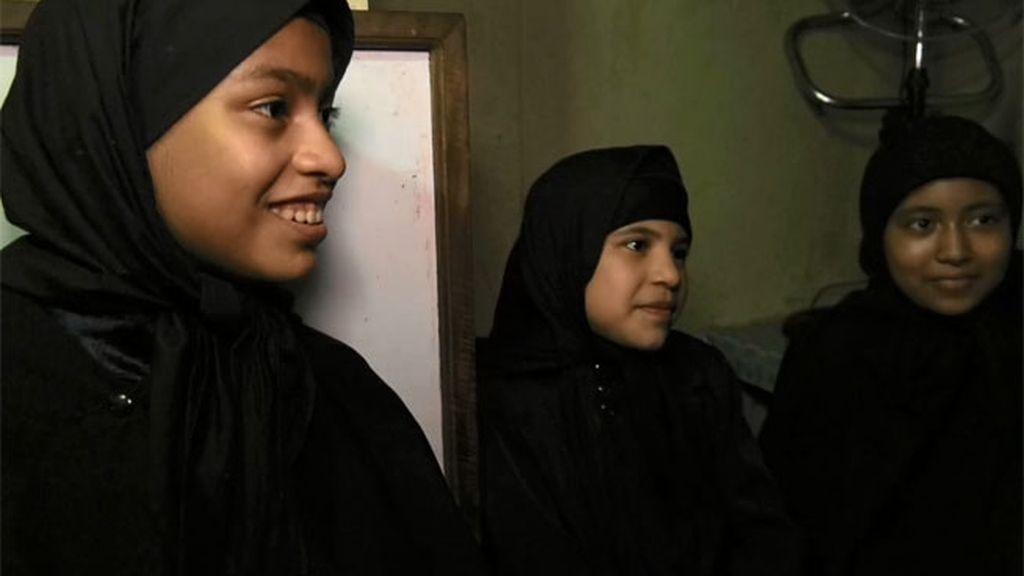 """Hablamos con tres niñas convertidas al judaísmo: """"No es bueno recordar"""""""