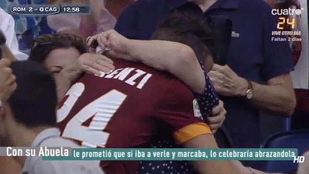 Florenzi marca para la Roma y se sube toda la grada para celebrarlo con su abuela