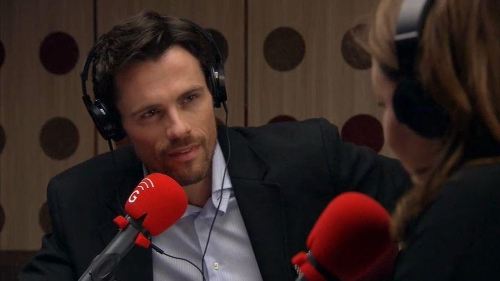 """Carlos Rangel, a Lucía, en la radio: """"¿Me concederías una cita a mí?"""
