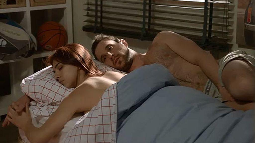 Juan y Vero amanecen juntos...
