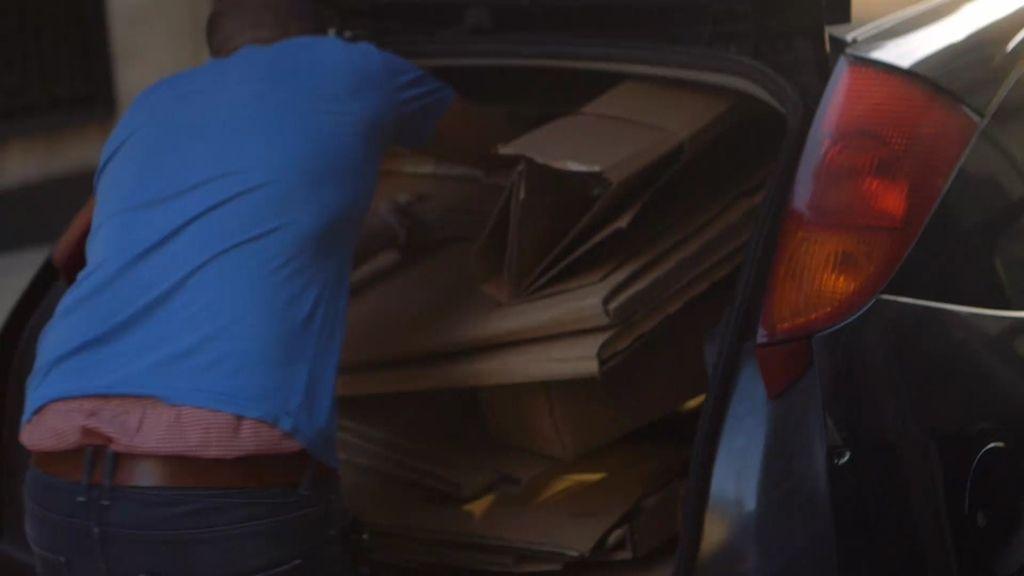 Nos colamos en una trapería para vender cartón ilegal sin problemas