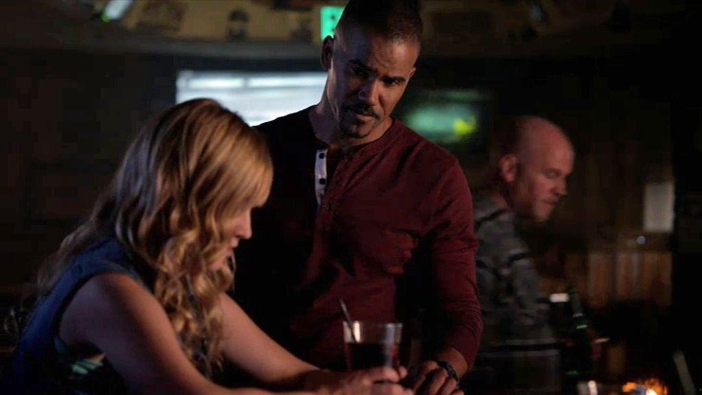 Morgan intenta sacar información a una prostituta amenazada por su proxeneta
