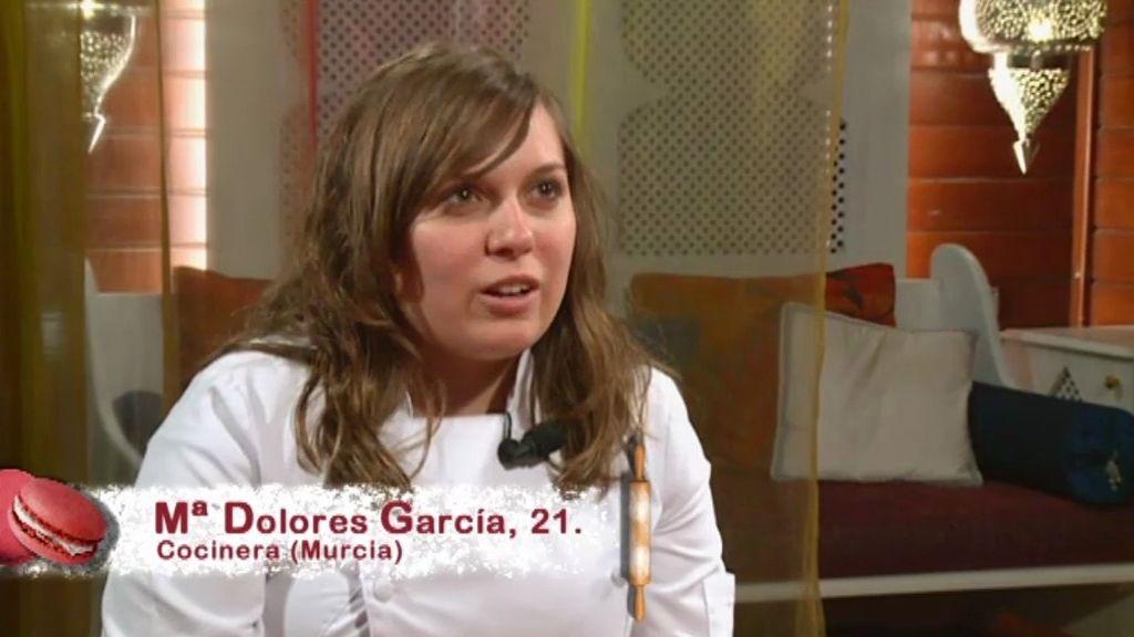 Amanda expulsa a Mª Dolores y a Raquel y se entra con Ángel en el Obrador