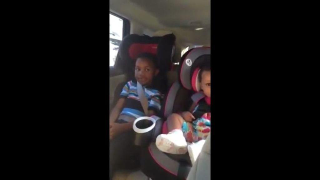 """""""Es desesperante"""", así reacciona un niño al saber que tendrá un nuevo hermano"""