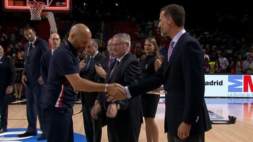 Celebración de Serbia: Medalla de plata para un gran equipo y reverencia real de Djordjevic