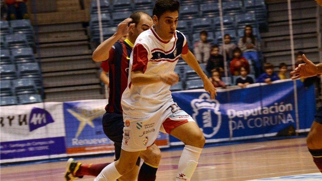El Barcelona Alusport acaba con la imbatibilidad del Santiago Futsal en Sar (3-7)
