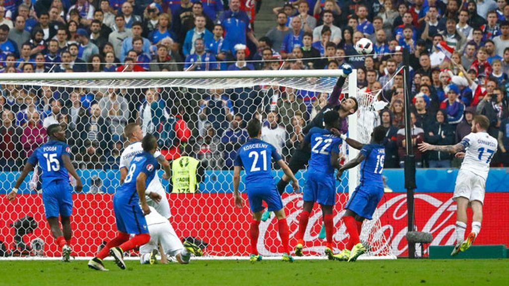 ¡Impresionante parada de Lloris cuando Islandia cantaba ya el segundo gol!