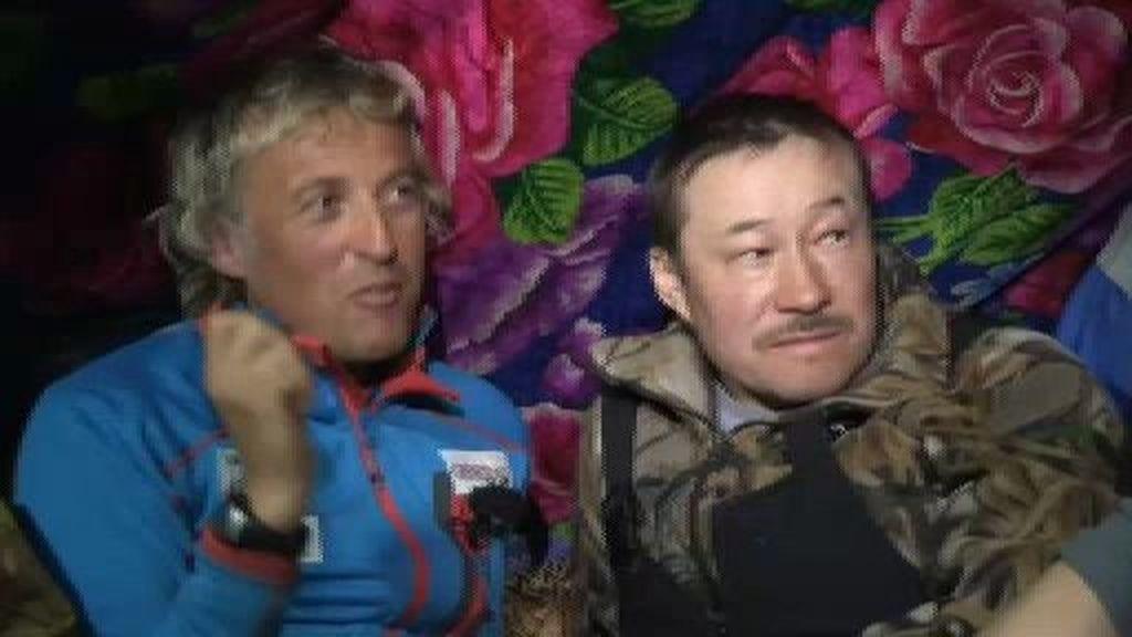 Jesús Calleja se interesa por la 'intimidad' de la tribu nómada de los Nenets