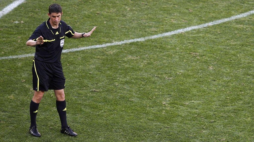 Un árbitro de Primera división cobra de media más de 200.000 euros al año