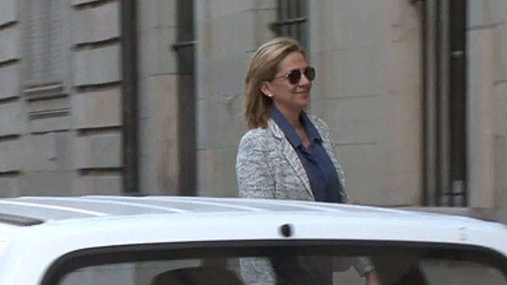 Exclusiva: La Infanta Cristina vuelve a Ginebra tras la proclamación de Felipe VI