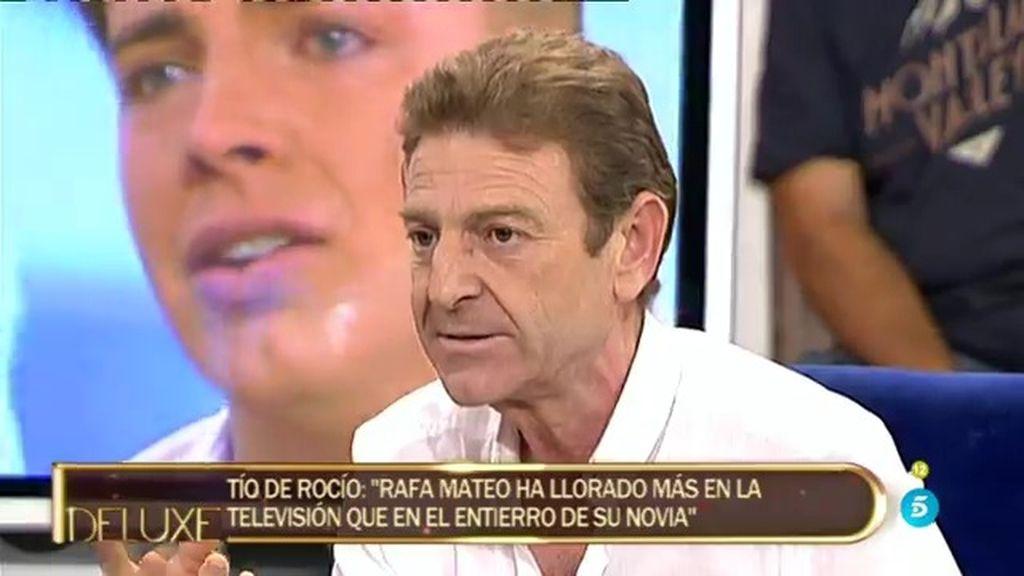 """Tío de Rocío: """"Es mentira...en el tanatorio nadie abucheó a Rafa Mateo"""""""
