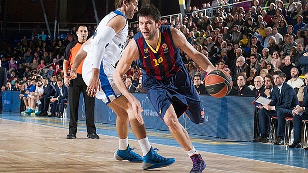 Navarro dirige al Barça en su estreno en el Top-16 para ganar con facilidad al Efes