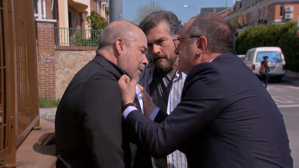 Ángel y Zabaleta encuentran a Rafael, que se ha gastado ya todo su dinero