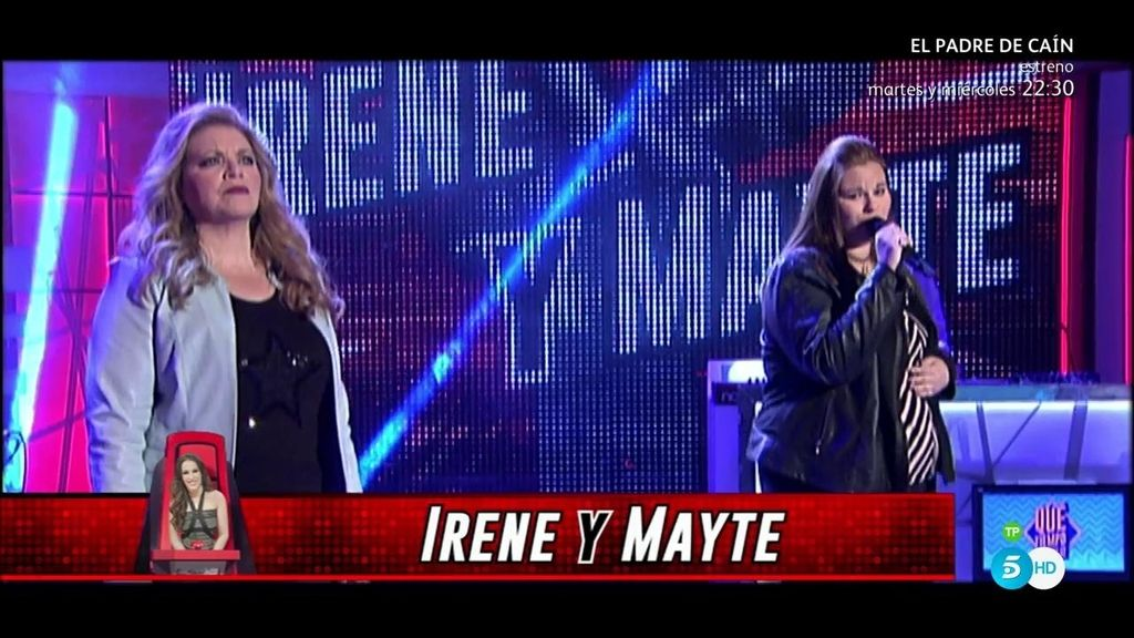 Mayte e Irene, del equipo Malú, interpretan el tema 'Noches de bohemia'