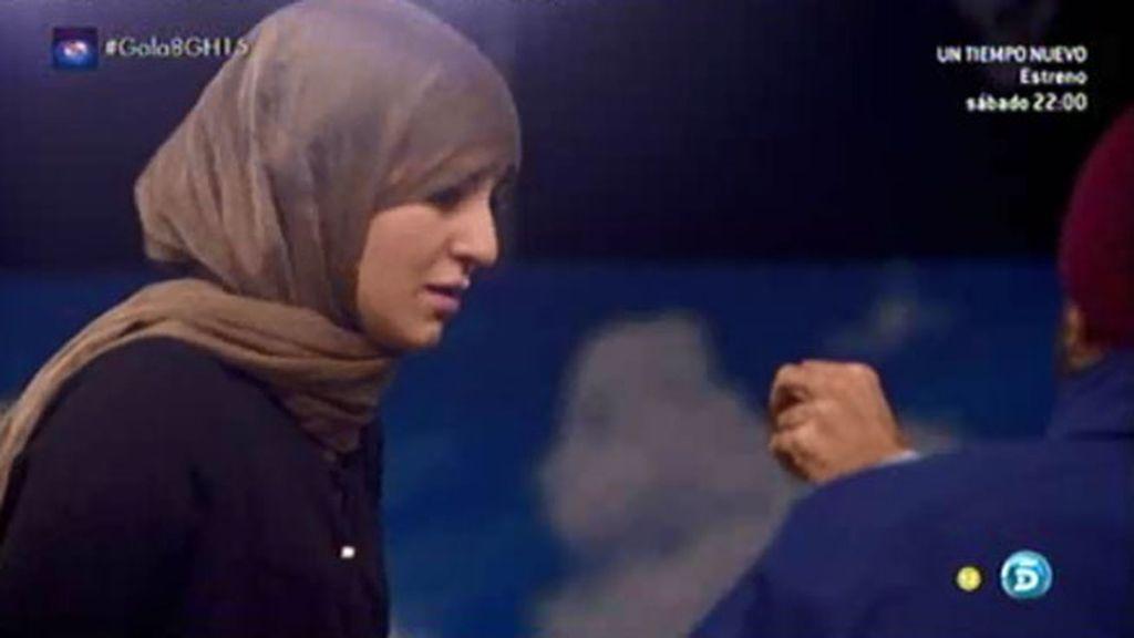 """Mercedes Milá, a Shaima: """"¿A qué sabe la caca de cabra?"""""""