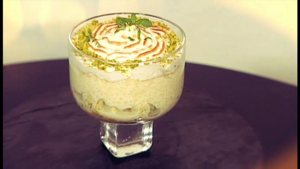 Arroz con leche con bizcocho de pistacho
