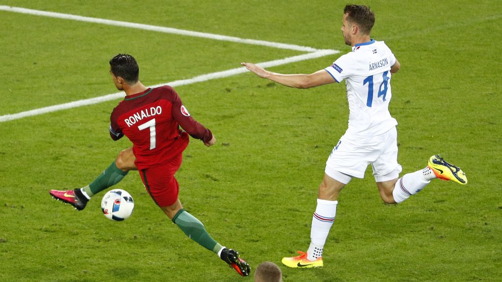 Tremendo fallo de Ronaldo: se queda solo frente al portero y le pega al aire
