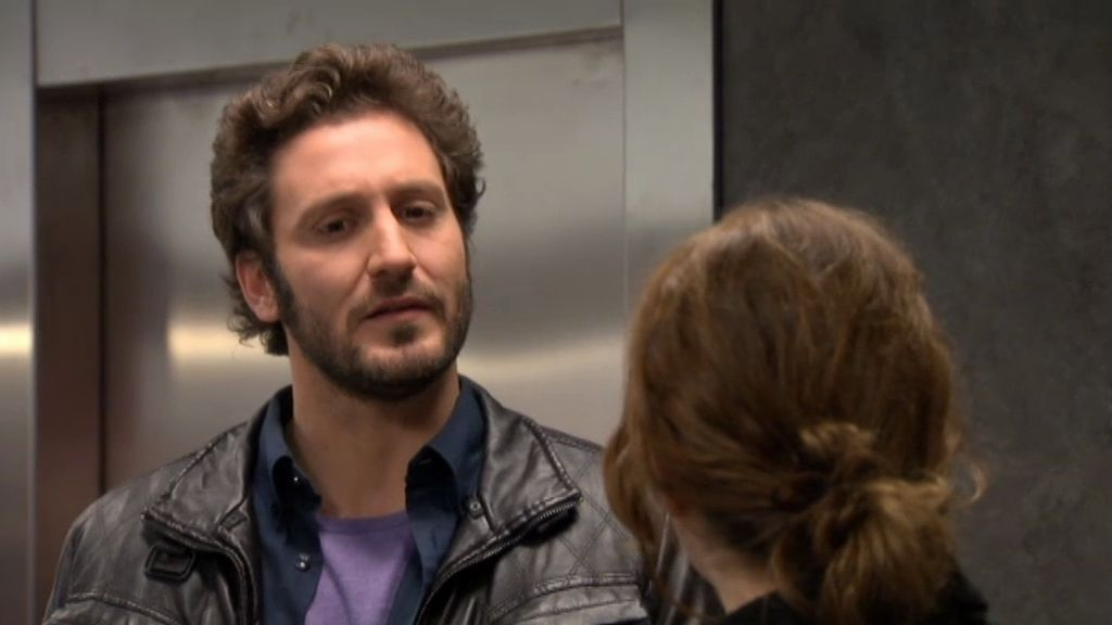 Sergio llama a Natalia y ella no le contesta