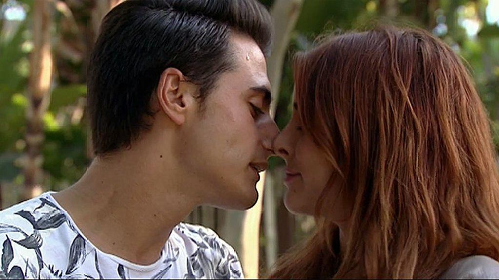 Umberto consigue (al fin) el beso de Rym…