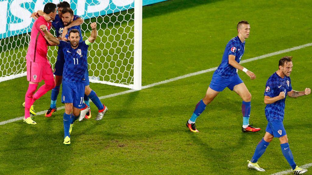 Ramos falla el penalti que hubiese puesto el 1-2 en el marcador para adelantar a España