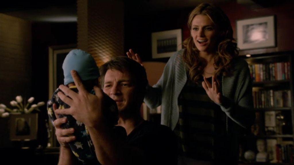Castle y Beckett se hacen cargo de Cosmo