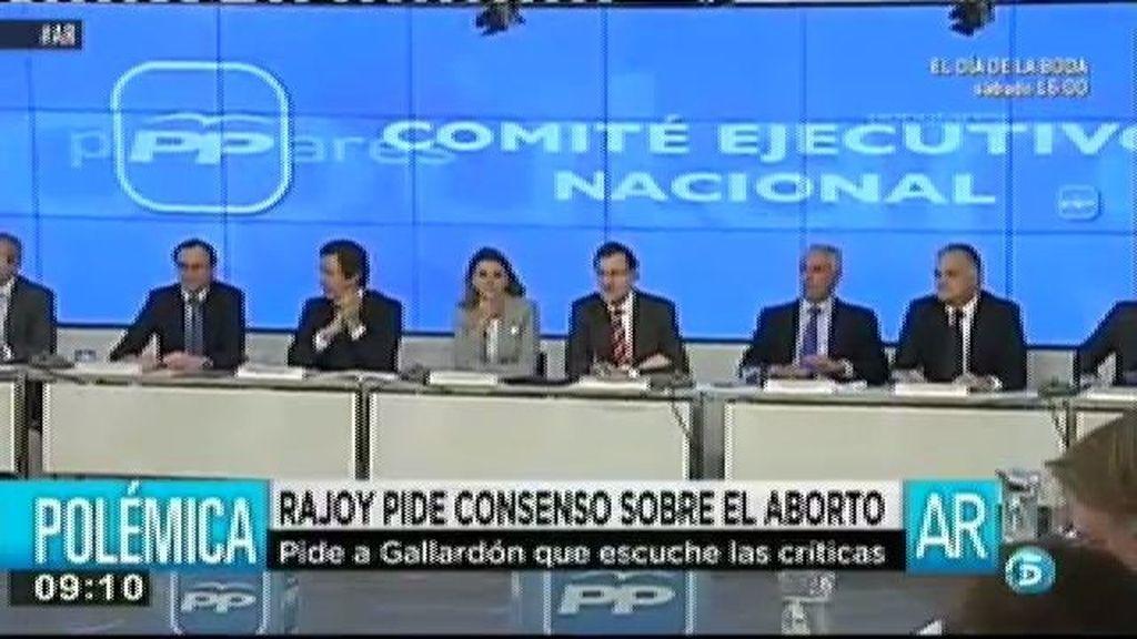 Rajoy pide consenso sobre el aborto pero se muestra partidario de enriquecer la norma entre todos