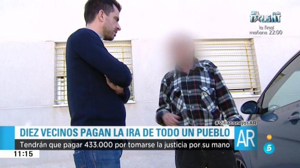 Los vecinos condenados aseguran que fueron más de diez los implicados