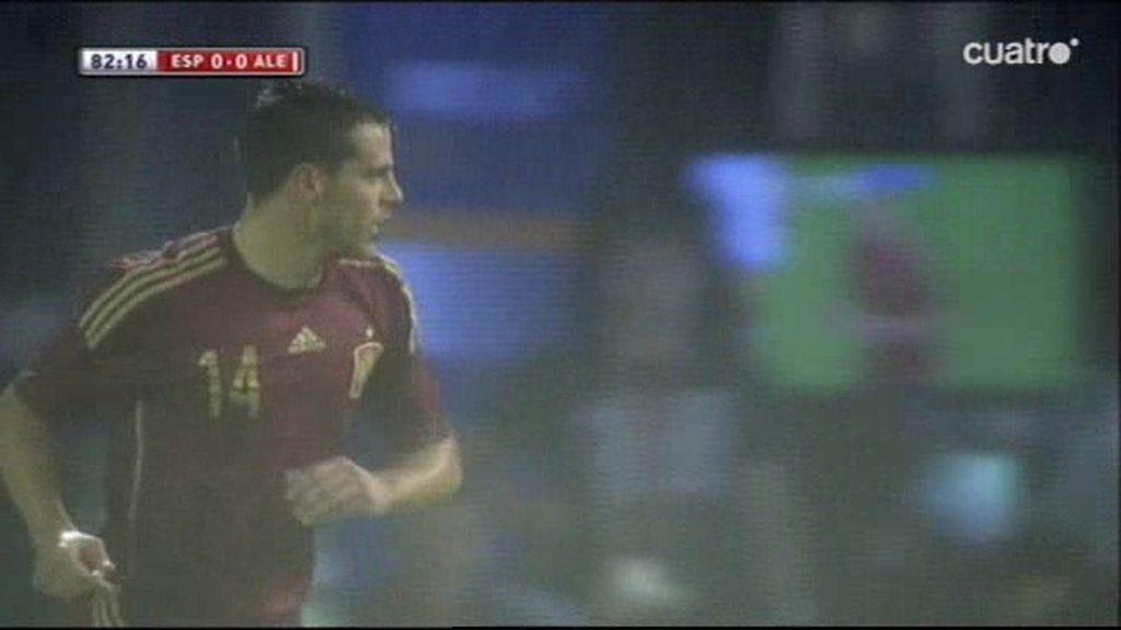 Un fuera de juego riguroso evitó el gol de España minutos antes del tanto de Kroos