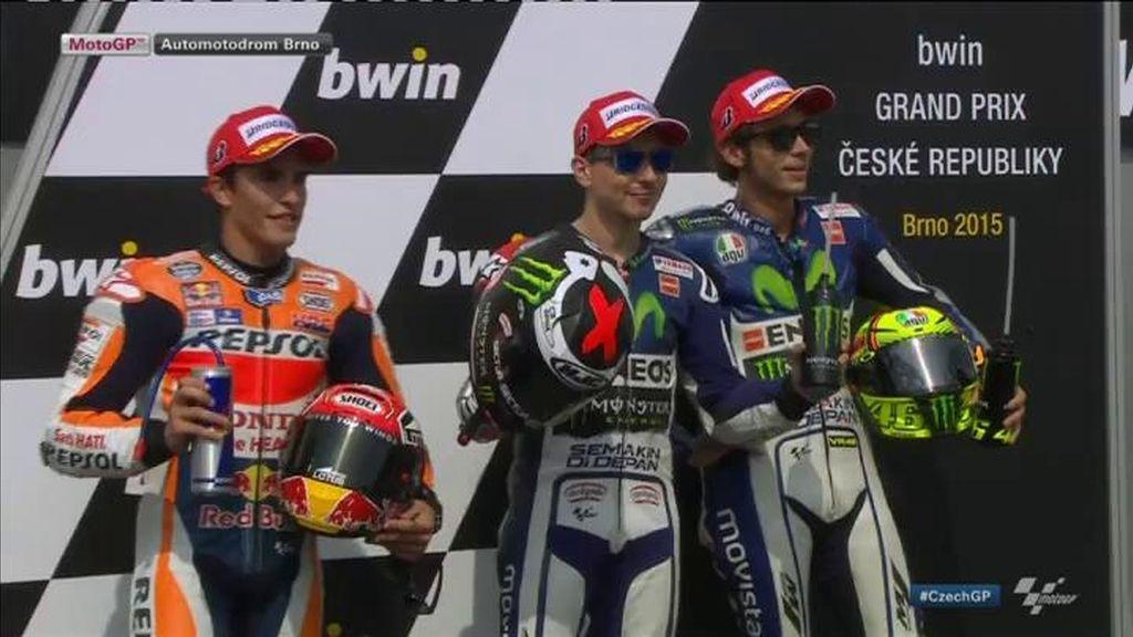 Lorenzo se hace con la pole batiendo el récord del circuito de Brno