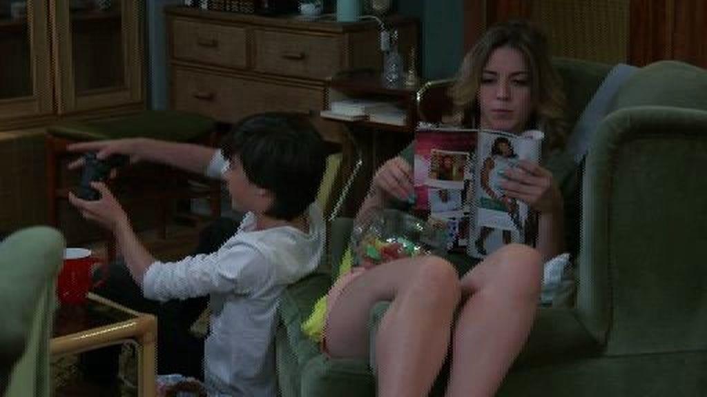 Natalia se avergüenza de su familia y comienza a envidiar a Camila