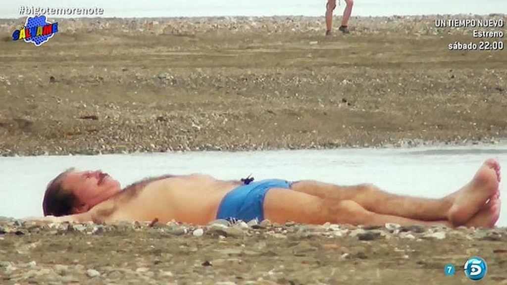 ¡Edmundo Arrocet, pillado en bañador!