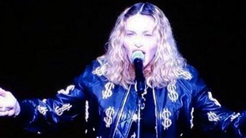 """Madonna ofrece sexo oral a los que voten por Hilary Clinton: """"Y soy buena, miro a los ojos"""""""
