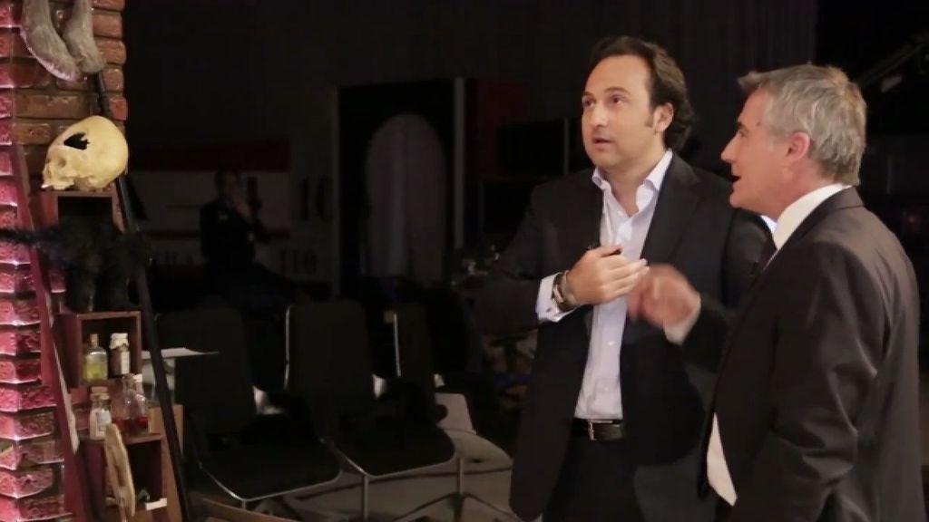 Iker Jiménez, guía de David Cantero en la Nave del Misterio