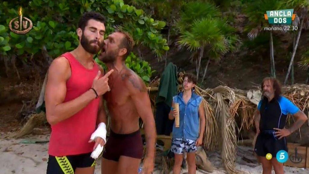 Nacho enloquece por una lata de remolacha y se pone violento con Rubén