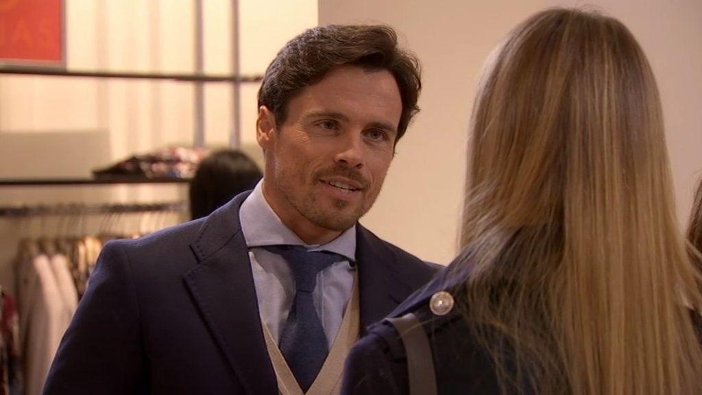 Lucía se encuentra con Carlos…y él sólo tiene ojos para la bella Irene