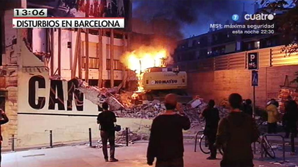 8 detenidos en los altercados en Barcelona durante el derribo de un centro okupa
