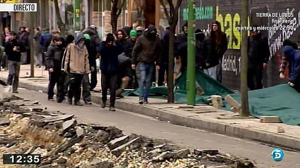 Los vecinos de El Gamonal desmantelan las obras