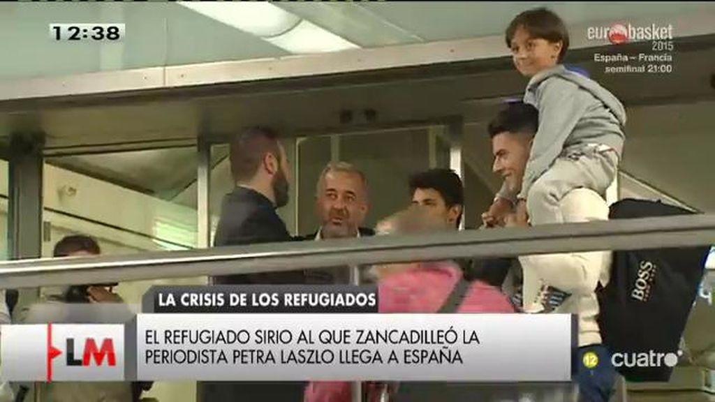Osama, el refugiado sirio al que zancadilleó la periodista Petra Laszlo llega a España