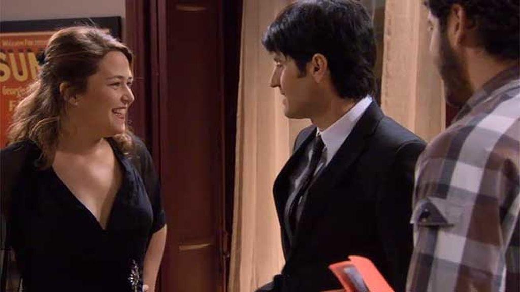 Lucía se enfunda en un espectacular vestido negro para conquistar a Xavi