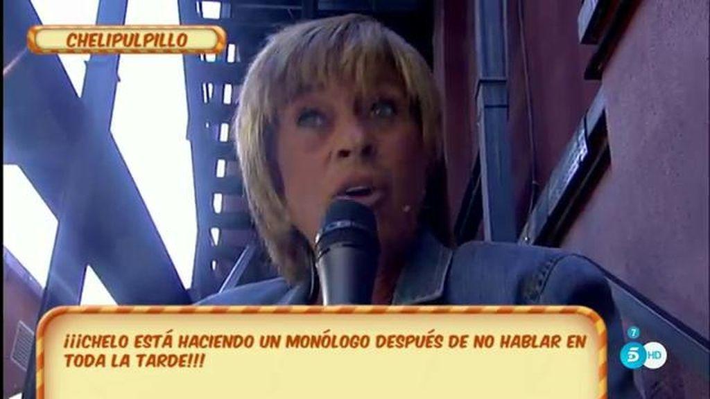 ¡Chelo García-Cortés se entera de que estaba hablando sin sonido un buen rato!
