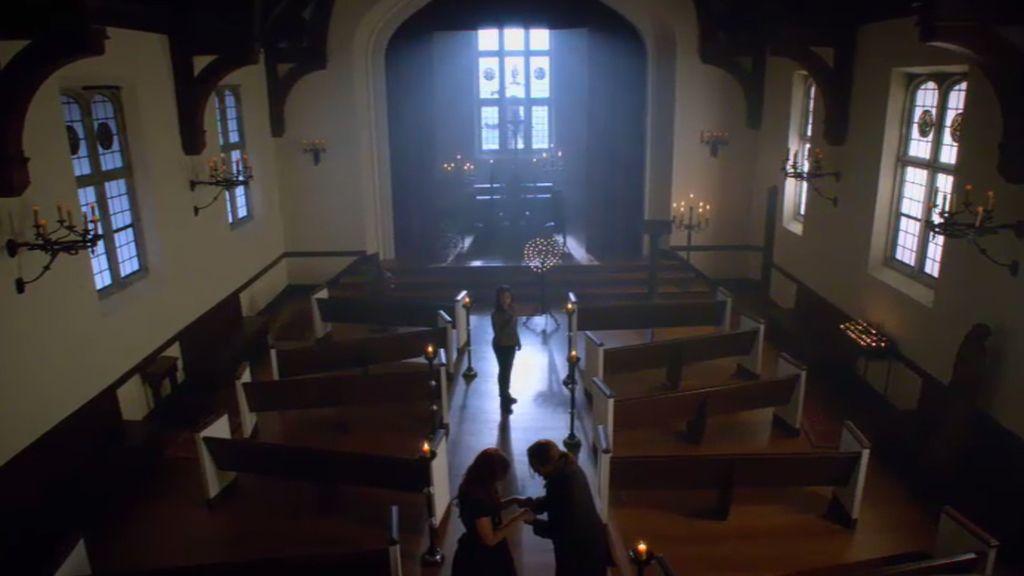 Abbie decide quedarse en el purgatorio para que Katrina pueda ser liberada
