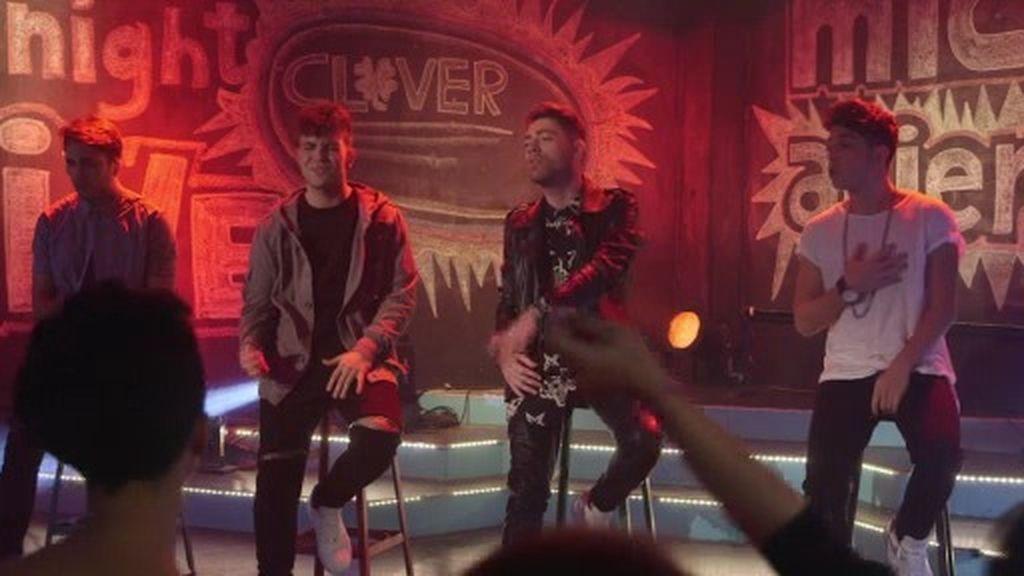 El grupo Clover interpreta su tema 'A quien quieras amar' en 'Micro Abierto'