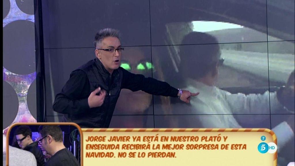 ¡El coche que entraba a 'Cantora' es del padre de Alejandro Albalá!