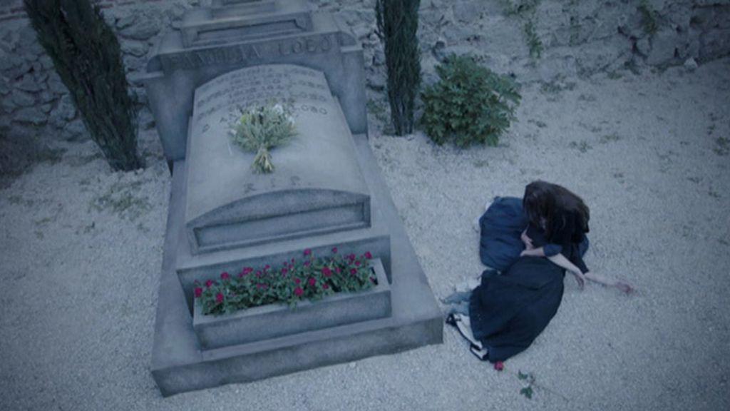 La tata muere junto a la tumba de Lobo