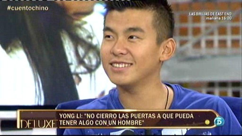 """Yong Li: """"Si en algún momento surge algo con un hombre, no diría que no"""""""