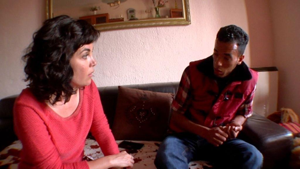 """Mohamed: """"Pensaba que iba a ser una estrella del fútbol y ahora curro para ganar 40 €"""""""